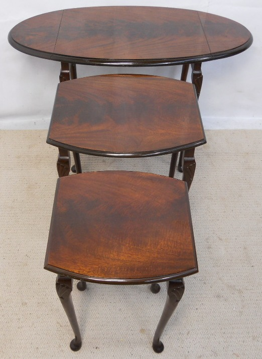 Oval Dropleaf Mahogany Nest Of Three Coffee Tables Sold